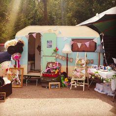 Winnie the Vintage Caravan photo booth #wedding #photo #booth