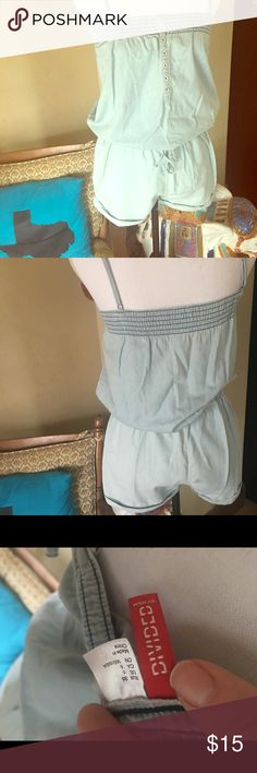 ❤️ 😢 Re-Posh Adorable Summer Romper It just doesn't work on my body type but this is absolutely adorable! Perfect for the summer!! 😎 Shorts