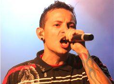Öngyilkos barátja születésnapján akasztotta fel magát a Linkin Park énekese