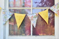 fabric pennant banner - great, easy tutorial! Looks like a simple, quick project.