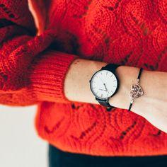 The Julie Julsen Pure Black Red Jumper, Tropical Vibes, Spring Looks, Heart Bracelet, Daniel Wellington, Pure Products, Watches, Black, Fashion