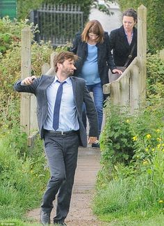 *SPOILERS* #Broadchurch2 - Must have not had any signal: David Tennant launches his phone as he films scenes for Broadchurch series two