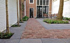 City garden in Hoorn. By Elmer Van Veen Gardens. Dutch Gardens, Small Gardens, Outdoor Gardens, Garden Design Plans, Small Garden Design, Garden Paving, Garden Paths, Garden Tiles, Landscape Architecture