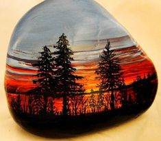 Stone Art - I loved painting stones as a child! Pebble Painting, Pebble Art, Stone Painting, Stone Crafts, Rock Crafts, Mandala, Rock And Pebbles, Hand Painted Rocks, Painted Pebbles