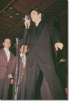 Elvis 1957. Dig the drape on this one-button suit. Room to groove and move. http://www.amazon.com/Terminal-Life-Suited-Hero-Novel/dp/1608091201/ref=sr_1_1?s=books&ie=UTF8&qid=1384357675&sr=1-1&keywords=terminal+life+richard+torregrossa