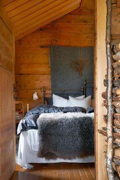 Redecorating Øyangstølen - After Awesome Bedrooms, Cool Rooms, Dream Bedroom, Master Bedroom, Interior Styling, Interior Design, Apartment Furniture, Furniture Inspiration, Cottage Style