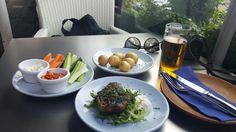 오늘의 점심은 the real greek에서! 양고기가 진짜 맛있었고 야채스틱들로 한결 상큼해졌다ㅎㅎ