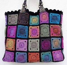 Granny square bag. I love this, I think I could make this.