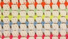 """Haak de bloksteek of """"block stitch"""" - Het vrolijke blokpatroon heeft een frisse en solide uitstraling. Lees hier verder voor het patroon en probeer hem uit! Knit Or Crochet, Crochet Stitches, Crochet Patterns, Baby Knitting, Diy And Crafts, Projects To Try, Quilts, Sewing, Hooks"""