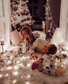 Cute Couples Photos, Cute Couple Pictures, Cute Couples Goals, Couple Goals, Christmas Couple, Christmas Mood, Christmas And New Year, Couple Christmas Pictures, Xmas
