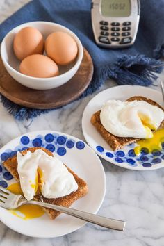 """We have a trick from Julia Child that will completely change the way you poach eggs. And by """"change,"""" I mean be prepared to make flawless poached eggs for the rest of your life. No exaggeration! Even if you have a tried-and-true method, making poached egg How To Make A Poached Egg, Perfect Poached Eggs, Perfect Eggs, Eat Breakfast, Breakfast Recipes, Balanced Breakfast, Mexican Breakfast, Breakfast Sandwiches, Breakfast"""
