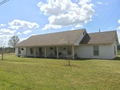 1008 Steens Rd, Caledonia - This listing provided by Colin Krieger, Realtor, Re-Max Partners, 662.327.7705.  http://www.colinkrieger.remax-mississippi.com/Home/1008-STEENS-RD-Caledonia-MS-39766/TTR/15-578/