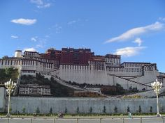 4 Days flights tour from Beijing to Lhasa. It is a good chance for you to know more about Chinese culture.