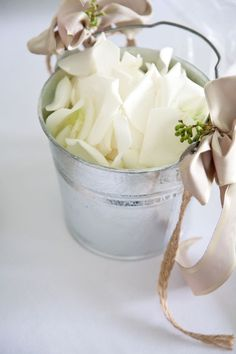 great idea for rustic, vintage, or shabby chic weddings