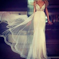 beautiful gown! #destinationweddings #beachwedding #beachbride