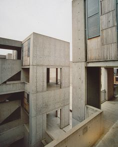Salk Institute for Biological Studies, La Jolla, California - Louis Kahn  Photograph - Bob Trempe via d i s - s e c t i o n