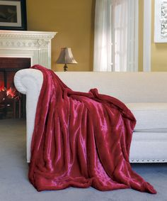 #THROW #CHILIPEPPERRED #BLANKET  #FAUXFUR