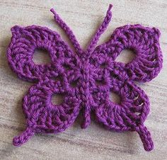 Crochet for ornaments, Butterfly on rock color. ~ Artesanatos e Crochet