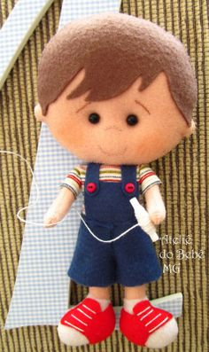 menino by bernice Felt Fabric, Fabric Dolls, Paper Dolls, Felt Quiet Books, Felt Baby, Felt Patterns, Sewing Dolls, Boy Doll, Soft Dolls
