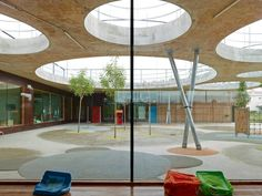 Image 15 of 24 from gallery of Lucie Aubrac School / Laurens&Loustau Architectes. Photograph by Stéphane Chalmeau