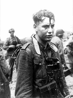 German Soldiers Ww2, German Army, Germany Ww2, Man Of War, German Uniforms, War Photography, Panzer, Military History, World War Ii