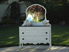 Shabby Chic Dresser / Buffet with Mirror, inspiration