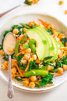 Chickpea and Kale Glow Bowl with Dreamy Tahini Dressing - FAST, EASY, accidentally vegan and gluten-free! Keeps you satisfied and GLOWING from the inside out! The zippy dressing lives up to its DREAMY name! Heart Healthy Recipes, Healthy Salad Recipes, Lunch Recipes, Easy Dinner Recipes, Vegetarian Recipes, Cooking Recipes, Lemon Tahini Dressing, Buttermilk Dressing, Diet Recipes