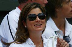 Mirka Federer Butterfly Sunglasses - Mirka Federer's butterfly sunglasses were a glamourous choice.