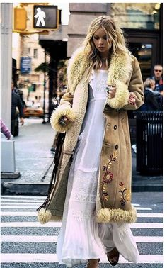 Trending Boho Outfits That Always Look Fantastic Make sure you check out all our articles on fashion, wellness and health. Boho Outfits, Boho Sommer Outfits, Fall Outfits, Fashion Outfits, Skirt Fashion, Boho Fashion, Womens Fashion, Boho Autumn Fashion, Fashion Edgy