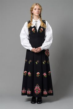 Bilde av Dovrebunad Norway, That Look, Victorian, How To Make, Inspiration, Dresses, Fashion, Pictures, Biblical Inspiration