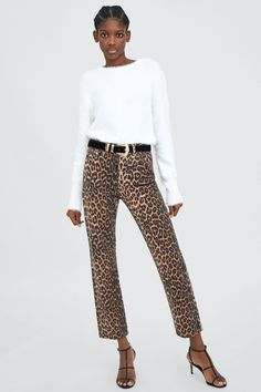 I want to choose some trendy leopard print accessories and clothes from Zara USA. They are all available to buy on Zara USA website. Animal Print Jeans, Leopard Print Pants, Animal Print Outfits, Animal Prints, Moda Zara, Printed Pants Outfits, Trouser Outfits, Zara Fashion, Look Fashion