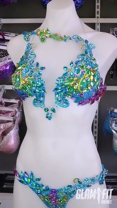 Rainbow Mermaid Inspired Couture Competition Bikini for WBFF Fitness Diva . Rainbow Mermaid Inspired Couture Competition Bikini for WBFF Fitness Diva … Rainbow Mermaid Inspiration Cou Belly Dancer Costumes, Samba Costume, Burlesque Costumes, Carribean Carnival Costumes, Carnival Outfits, Little Mix, Salsa Dress, Jolie Lingerie, Pretty Lingerie