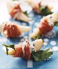 Peren met blauwe kaas en prosciutto. Een leuk hapje of amuse.