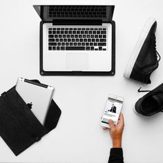 10 Apps To Simplify Your Everyday Life - overhead office workspace minimal flatlay