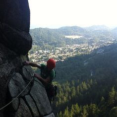 #climbing Angels Crest, Squamish (via Ross Mailloux)