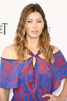 NEWS 2.3.2016...See the 10 best celebrity beauty looks this week including Jessica Biel, Chrissy Teigen and more.