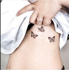 70 Absolutely Beautiful Butterfly Tattoo Designs - The XO Factor - 70 Absolut. - 70 Absolutely Beautiful Butterfly Tattoo Designs – The XO Factor – 70 Absolutely Beautiful B - Mini Tattoos, Dainty Tattoos, Body Art Tattoos, Stomach Tattoos, Tattoos On Foot, Delicate Feminine Tattoos, Color Tattoos, Dream Tattoos, Girly Tattoos