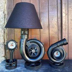 Garage Furniture, Car Part Furniture, Automotive Furniture, Automotive Decor, Metal Furniture, Car Part Art, Car Parts Decor, Deco Cool, Metal Art Projects
