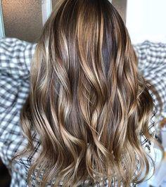 14 Balayage on Black Hair Ideas Trending in 2019 - Style My Hairs Blond Beige, Brown Blonde Hair, Brunette Hair, Short Lavender Hair, Corte Y Color, Hair Color And Cut, Pretty Hairstyles, Dreadlock Hairstyles, Ponytail Hairstyles