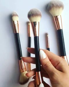 Our new#FlexBrushcollection is here. Softest synthetic hair yet! Amazing flex tech handles for comfortable grip when applying your makeup! Shop now at www.tambeauty.com#FlexBrush @makeuprevolution