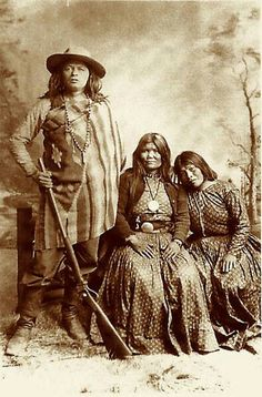 Mickey Free is seen here with his two wives Ethlay and Ocheheh.