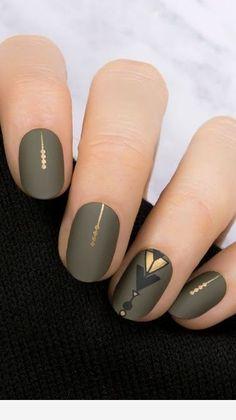 I like this - Winter nail idea