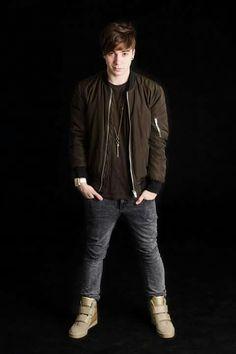 😖❤❤❤😖 Bomber Jacket, Youtube, Jackets, Beautiful, Fashion, Down Jackets, Moda, Fashion Styles, Fashion Illustrations
