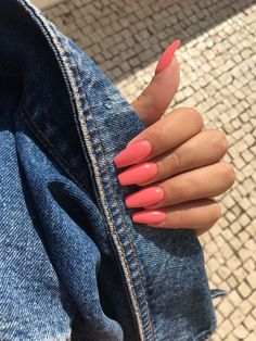In seek out some nail designs and ideas for your nails? Listed here is our set of must-try coffin acrylic nails for fashionable women. Bright Summer Nails, Summer Acrylic Nails, Best Acrylic Nails, Acrylic Nail Designs, Coral Acrylic Nails, Coral Pink Nails, Nail Summer, Summer Nail Colors, Bright Orange Nails