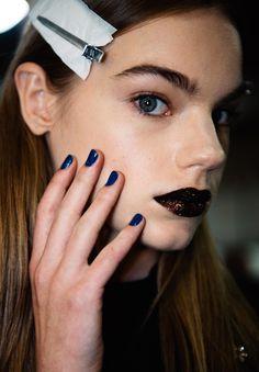 Картинки по запросу DKNY show make up
