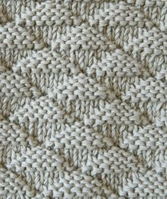 New Cost-Free knitting stitches Thoughts triangles stitch knitting pattern triangles knitting Knitting Stiches, Knitting Blogs, Knitting For Beginners, Loom Knitting, Knitting Designs, Knitting Needles, Free Knitting, Knitting Projects, Knit Stitches