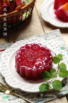 火龙果燕菜月饼