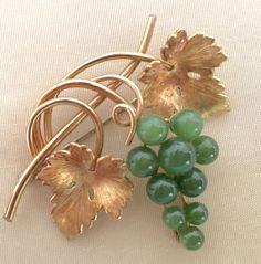Vintage 40s Krementz Gold Filled Jade Grape by MartysAtticAuctions