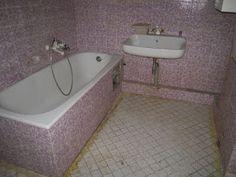 Építsd okosan!: HOGYAN BURKOLJUNK MEGLÉVŐ BURKOLATRA? CSEMPÉRE - C... Corner Bathtub, Bathroom, Washroom, Full Bath, Bath, Bathrooms, Corner Tub