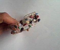 bratara placata cu argint cu pietre semipretioase (55 LEI la amd.handmade.1.breslo.ro)